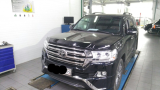 Toyota Land Cruser 200